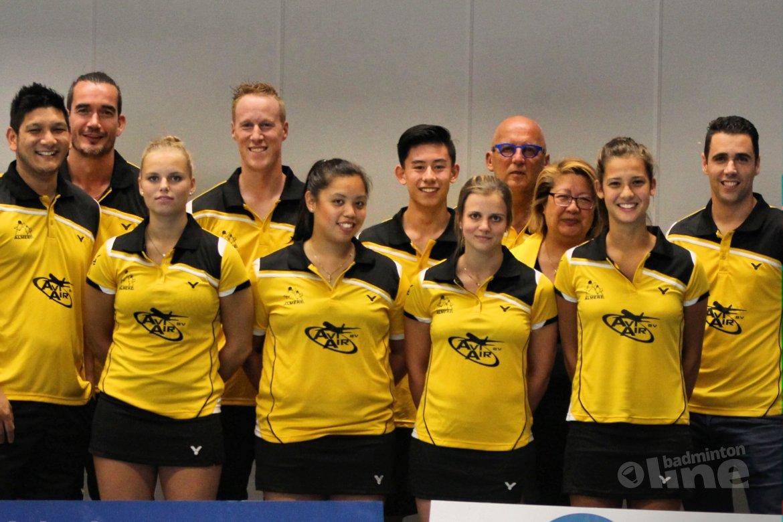 Veerkrachtige badmintonners Almere spelen gelijk tegen DKC